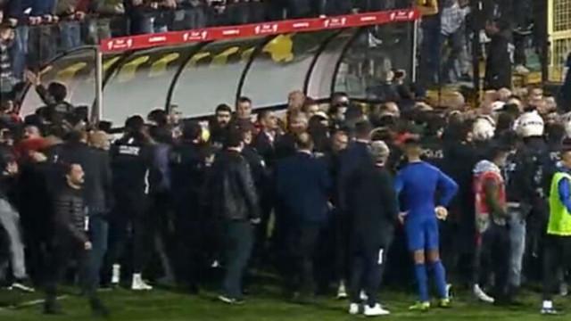 Son dakika! Tuzlaspor - Galatasaray maçı sonrası kavga çıktı!