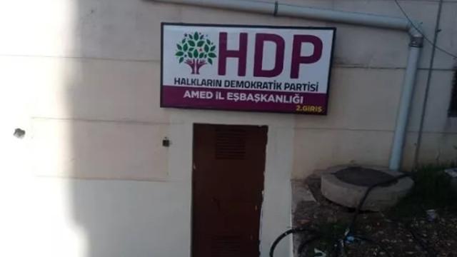 HDP'nin bu tabelası Diyarbakır annelerini ayaklandırdı