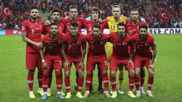 Milli futbolcu Okay Yokuşlu, Melisa Kerman ile evlendi