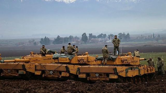 Şehit naaşını alamayan 2 asker TSK'dan atıldı