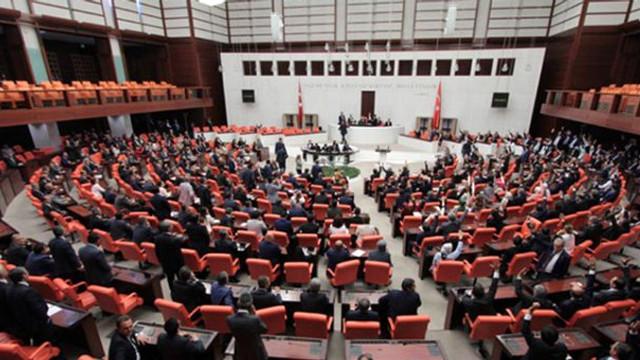 Meclis'teki kadın çalışanlara skandal kıyafet uyarısı!