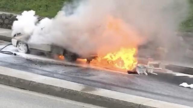 İstanbul'da korku dolu anlar ! LPG'li otomobil alev aldı