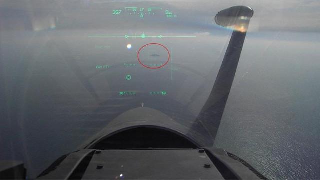 Ege'de skandal! Yunan pilot Türk savaş gemisine kilitlendi