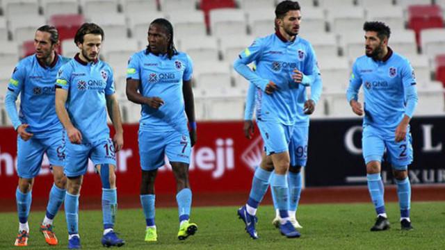 Trabzonspor Süper Lig'de zirve yarışında geriye düştü