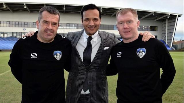 Paul Scholes Oldham Athletic'in teknik direktörü oldu