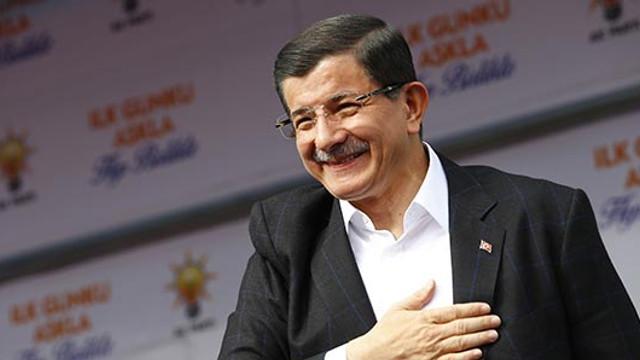 Eski Başbakan Davutoğlu'ndan AK Parti'ye eleştiriler