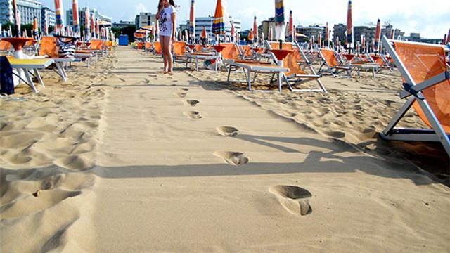 Plajda sigara içmek yasaklanıyor !