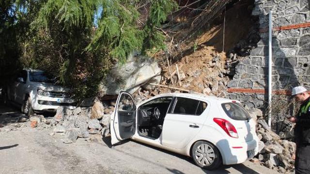 Beykoz'da sitenin istinat duvarı çöktü