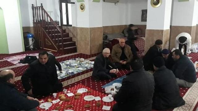AK Partili başkandan ''camide siyaset'' eleştirilerine cevap