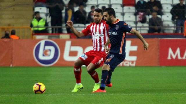 Arda Turan: Galatasaray ve Beşiktaş ile başa çıkmak çok zor