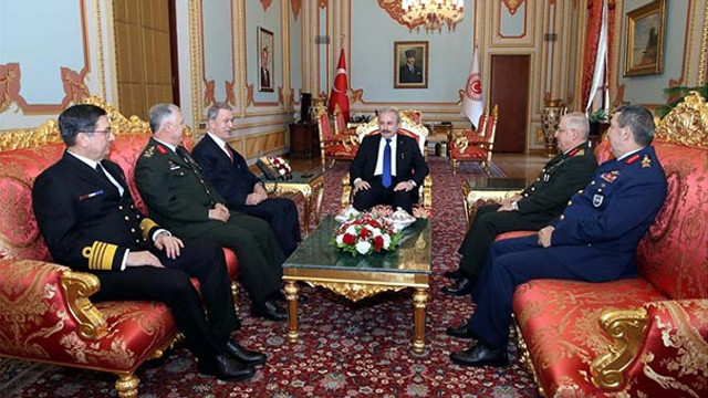 Bakan ve komutanlar TBMM Başkanı Şentop'u ziyaret etti