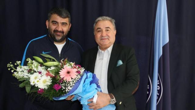 Adana Demirspor'un yeni teknik direktörü Ümit Özat oldu!