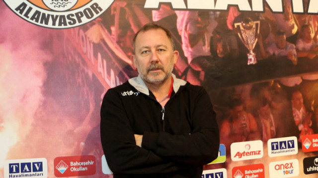 'Ozan Tufan'ı futbolcu olduğuna ikna ediyoruz'