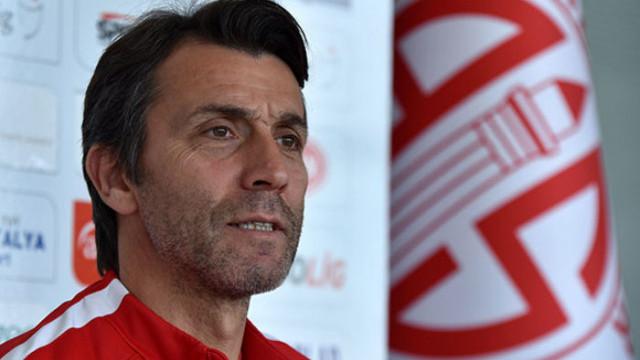Antalyaspor Teknik Direktörü Bülent Korkmaz: Kazanmak istiyoruz