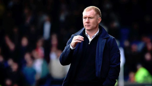 Paul Scholes, Oldham Athletic'ten istifa etti