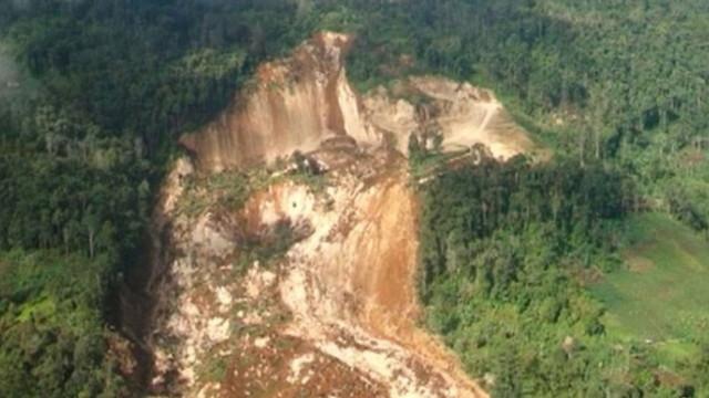Çin'de toprak kayması: 2 ölü, 17 kayıp