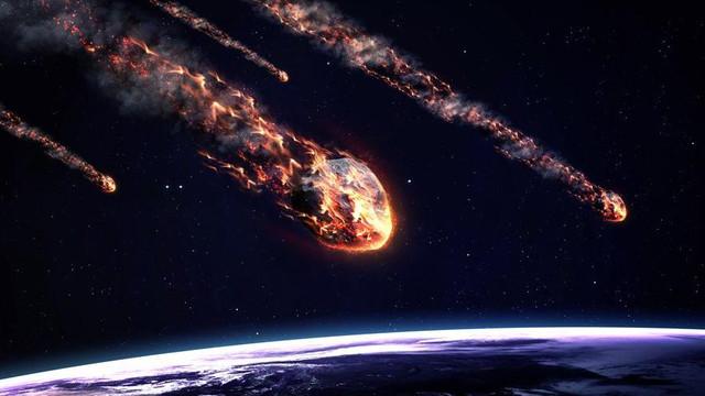 NASA da doğruladı; dev meteor atmosfere çarptı!