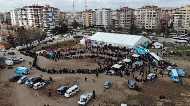 AK Parti'nin kaçak seçim çadırı kaldırılacak