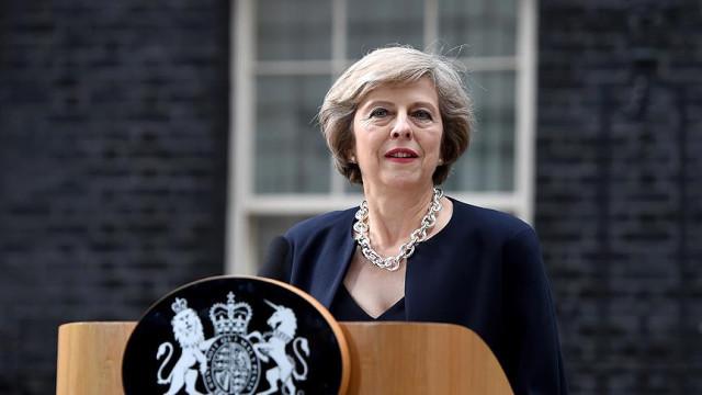 Başbakan May'den Brexit anlaşmasına karşılık istifa teklifi