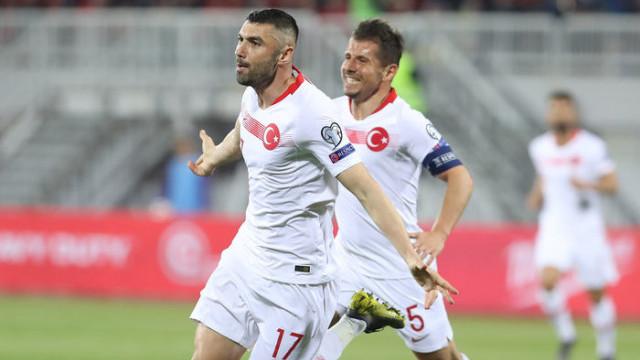 Emre Belözoğlu ve Ozan Kabak'tan 'Hello brother' mesajı