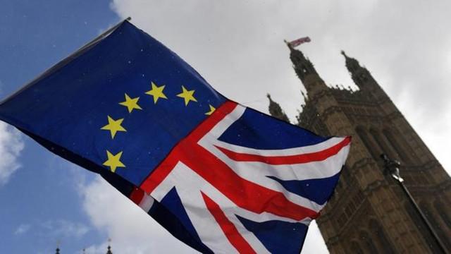 İngiltere'de istifaların ardı arkası kesilmiyor