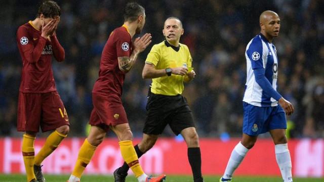 UEFA, Cüneyt Çakır'ın Porto-Roma maçındaki kararları için destek verdi