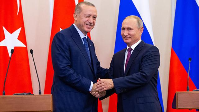 Rusya lideri Putin'den Erdoğan'a tebrik telefonu