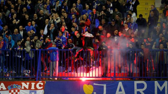 UEFA, Dinamo Zagreb'e 2 maç seyircisiz oynama cezası verdi