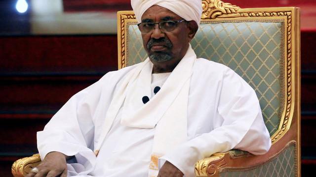 Sudan cumhurbaşkanı El-Beşir görevinden istifa etti