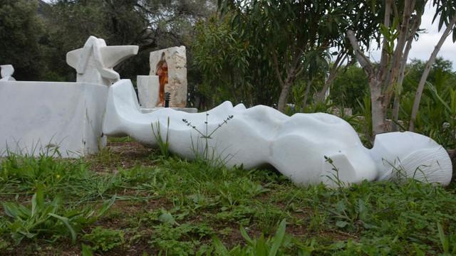 Datça'da tanrıça heykellerine saldırı