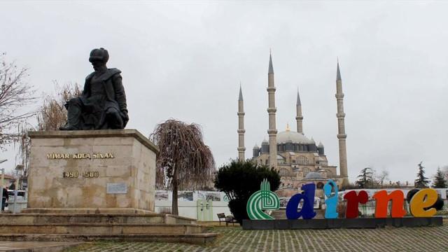 Mimar Sinan'ın heykelinin yönünün değiştirilmesi önerildi