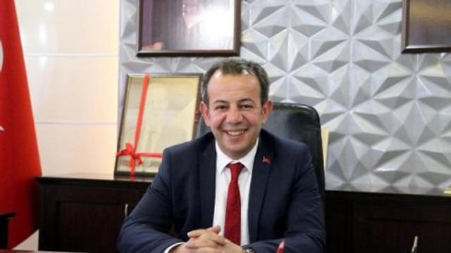 CHP'li Başkan: 'AK Parti Kadın Kolları Başkanı belediyeden maaşa bağlanmış'