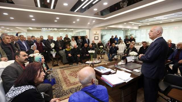 Yenimahallelilerden Yaşar'a tebrik ziyareti