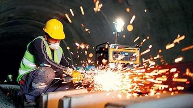 Ekonominin çarkları duruyor: Sanayi üretimi %5.1 azaldı !