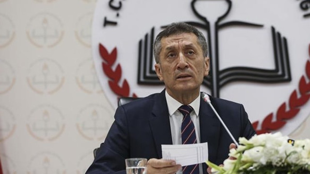 Milli Eğitim Bakanı açıkladı: ''Okulların tatil programları değişiyor!''