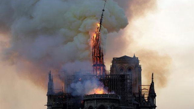Notre Dame yangınının nedeni belli oldu