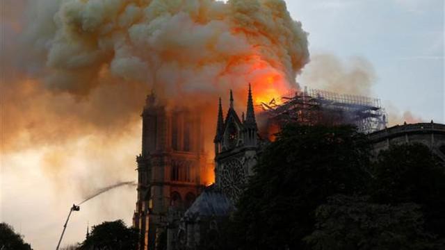 Notre Dame Katedrali için açıklama geldi