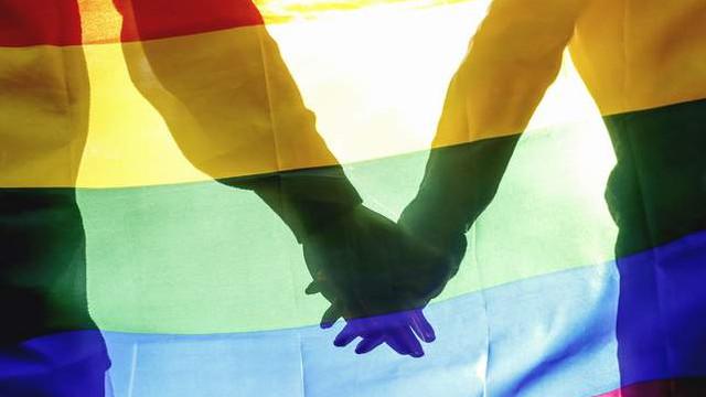 Eşcinsel ilişki ve zinaya recm cezası