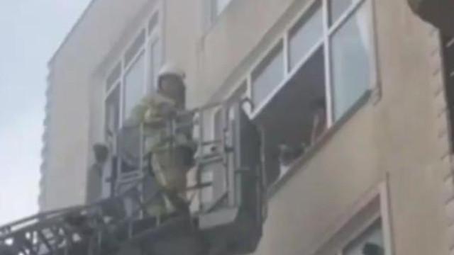 İstanbul'da yangın: Çok sayıda kişi mahsur kaldı