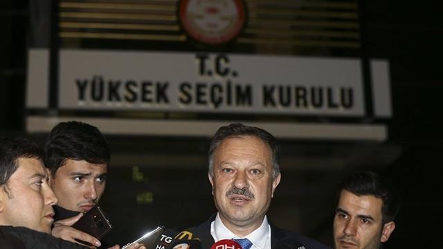 AK Partili eski vekil, AK Parti'nin kritik ismine: 'Halis muhlis FETÖ'cü'