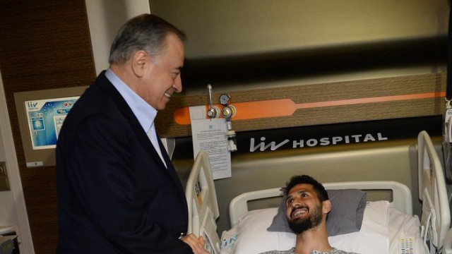 Mustafa Cengiz'den Emre Akbaba'ya ziyaret