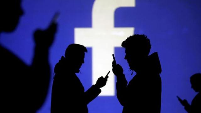 Avrupa'da seçim öncesi Facebook'tan operasyon