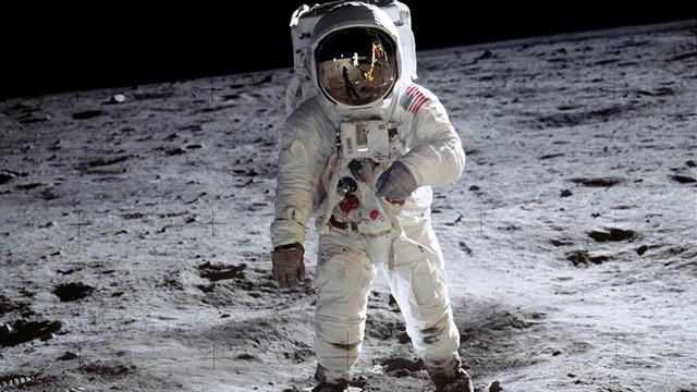 NASA Ay'a ilk kadın astronotu gönderecek