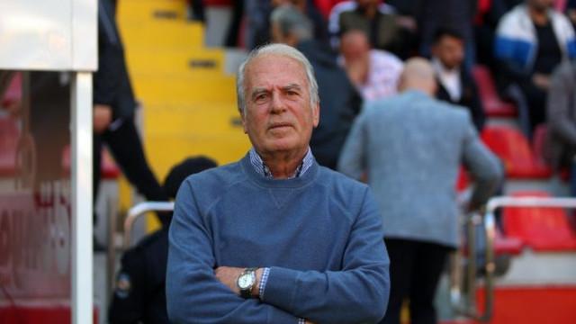 Kasımpaşa teknik direktörü Mustafa Denizli istifa etti