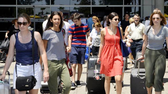 Bakan Ersoy: Turist sayısı yüzde 24 arttı