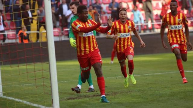 Asamoah, gollerine antrenmanda da devam etti