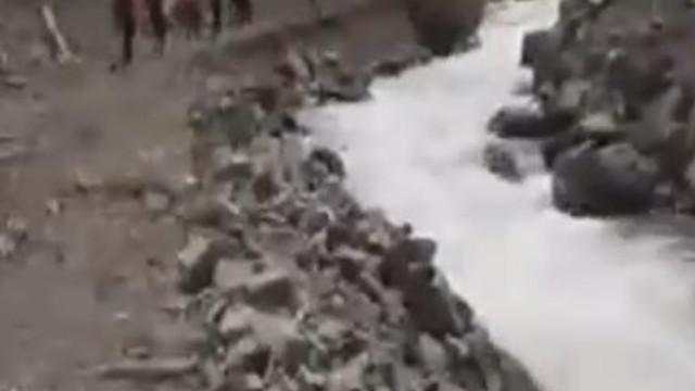 AA muhabirini ararken suya kapılan 2 asker de şehit oldu