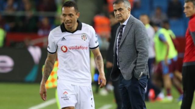 Beşiktaş'ta Adriano sakatlandı