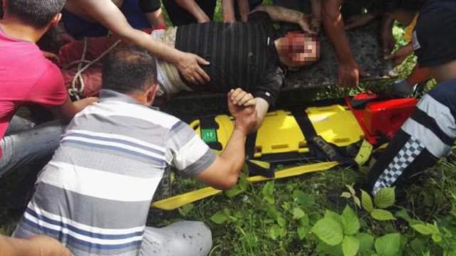 Dereye uçan kamyonetin sürücüsü öldü !