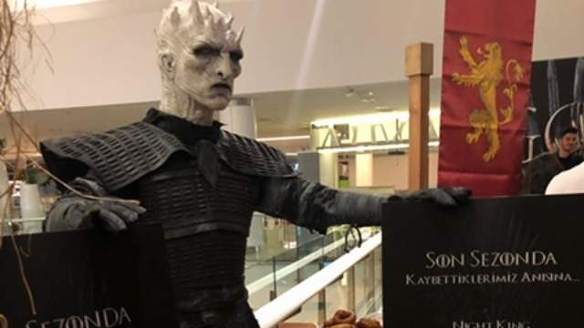 Game of Thrones dizisinde ölenler için İstanbul'da lokma dağıtıldı